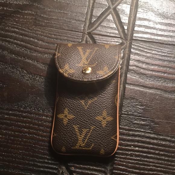 74a79a204fa4 Louis Vuitton Accessories - Louis Vuitton Cell Phone Holder